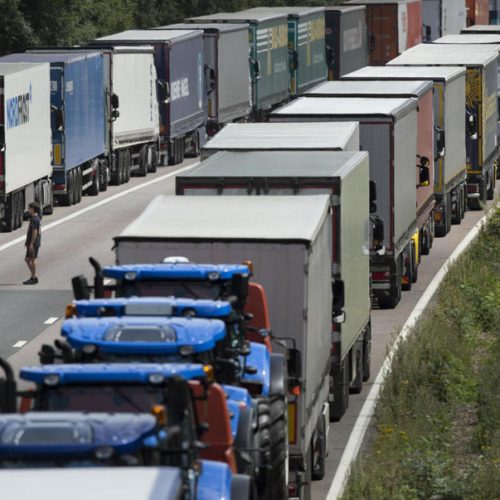 Un joven español descubre cómo 'hackear' camiones a distancia a través de internet